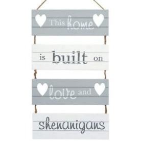Carteles de madera con frases en…